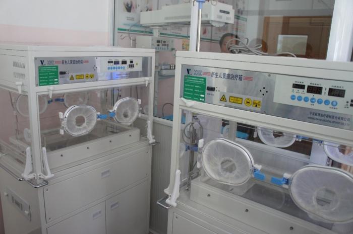 我会新到红河州妇幼保健院新生儿黄疸治疗箱