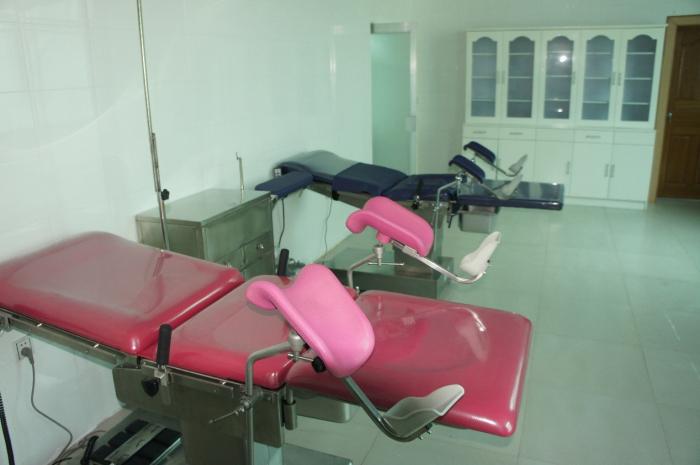 我会新到元阳县妇幼保健院的电动产床